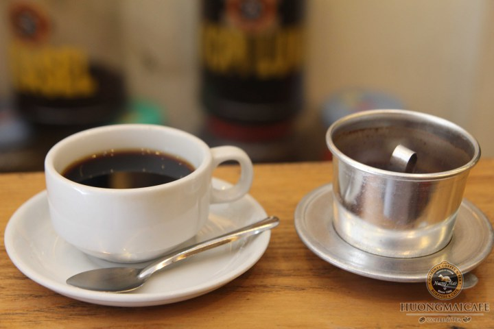 How to brew coffee using Vietnamese Phin filter